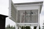 Meteorologická budka s instalovanými teploměry a vlhkoměrem