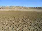 V západním Kazachstánu je dnes poušť, ale koncem poslední doby ledové zde vzedmutá hladina Kaspického moře podkopávala svahy v měkkých horninách a vznikaly sesuvy, které mají běžně plochu středně velkých měst ČR.