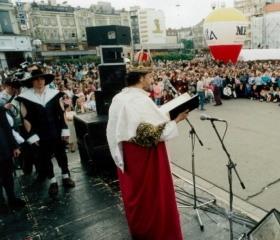 Projev krále Majálesu naMasarykově náměstí 1996