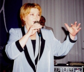 Hlavní host 2. reprezentačního ples OU - Věra Špinarová 1997