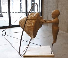 Martin Mydlarčík, Ve hmotě světla, laminát, železo, dřevo, 160x150x150cm, 2013, diplomová práce