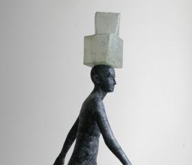 Martin Kubica, Kráčející, laminát, 220x98x69cm, 2010, bakalářská práce