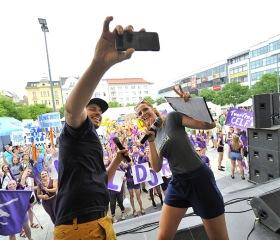 Selfie moderátorů a fanoušků