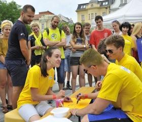 Educanet a jeho žlutý tým - BLUE PILLS