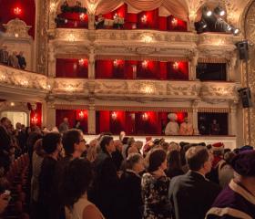 Slavnostní zasedání vědecké rady v Divadle Antonína Dvořáka 2016