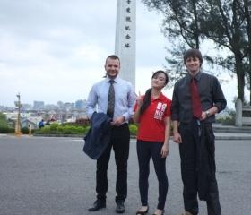 Společná fotka při návštěvě kampusu NCU