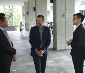 Prohlídka kampusu Shih Chien Univeristy s Johnnym a Vincentem