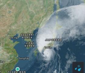 Tajfun v Japonsku na cestě letadlem z Taipei do Tokia