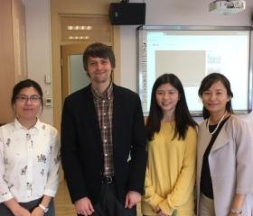 Společná fotka s kolegyněmi na National Taipei University of Education