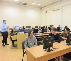Jarní workshopy na KGE pro vyučující a studenty středních škol