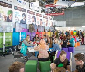 Expozice Ostravské univerzity na evropském veletrhu pomaturitního vzdělávání Gaudeamus Brno 2017 na brněnském výstavišti