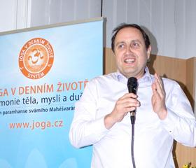 Konference Využití jógy ve zdravotnictví