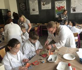 Děti pracovníků Ostravské univerzity poznávaly přírodní vědy