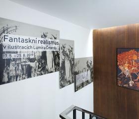 Výstava Fantaskní realismus v ilustracích Lumíra Čmerdy<br>Autor: Marcela Feretová (SZMO) a Stanislav Krejčí