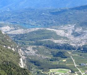 Marocchce di Dro – skalní lavina v Italských Alpách o úctyhodném objemu asi 1km3 vznikla ve vlhčím období asi před 5 tisíci lety <br>Autor: T. Pánek