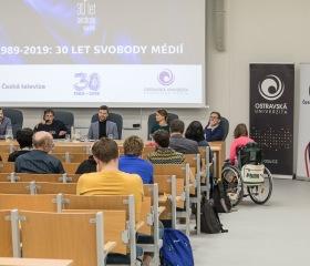 Panelová diskuze se zástupci České televize se uskutečnila na půdě Filozofické fakulty Ostravské univerzity 5. listopadu 2019 v rámci připomenutí 30 let svobody a demokracie. Autor fotografií: Rostislav Šimek