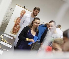 Zájemci o studium medicíny v Ostravě už si mohou podat přihlášku, lékařská fakulta spustila přijímací řízení