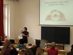 Hana Říhová uvedla přítomné do problematiky Multimediálních her jako tvůrčího principu Petra Nikla (7/7)