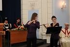 Flétnové duo ve složení Radka Hanousková a Kristýna Landová (skladba Georg Philipp Telemann: Sonata č. 4)