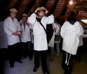 Kutná Hora; před vstupem do stříbronosného podzemí (20/37)