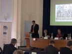 Mgr. Marek Zágora přednáší příspěvek věnovaný ikonografii Jana Lucemburského v dobových francouzských rukopisech (3/15)