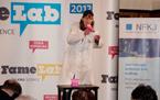 Trio našich studentů chemie bavilo vědou publikum na mezinárodní soutěži pro mladé vědce a vědkyně