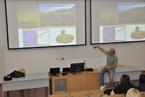 Michael Londesborough přednášel o svém výzkumu Přírodovědecké fakultě OU