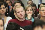 Přednášek se zúčastnil velký počet studentů všeobecného lékařství i nelékařských oborů všechny. Vyslechli je s nevšedním zájmem a kladli i řadu všetečných otázek.  (11/36)