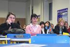 Přednášek se zúčastnil velký počet studentů všeobecného lékařství i nelékařských oborů všechny. Vyslechli je s nevšedním zájmem a kladli i řadu všetečných otázek.  (28/36)