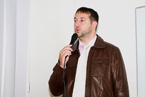 Doc. MUDr. Rastislavu Maďarovi, Ph.D., bývalému pedagogovi LF OU, studenti doslova viseli na rtech, když jim vyprávěl o svých zážitcích z misie v Africe. (35/36)