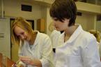 Anglická výuka v chemické laboratoři