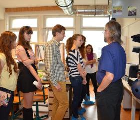 exkurze Wichterlova gymnázia na PřF OU