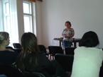 PhDr. Dana Hašková přednáší o ruské meziválečné emigraci v Československu<br>Copyright: Ostravská univerzita v Ostravě, foto: Igor Jelínek