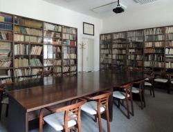 Knihovna Vojtěcha Martínka sloužící zároveň jako zasedací místnost Centra regionálních studií akatedry české literatury aliterární vědy
