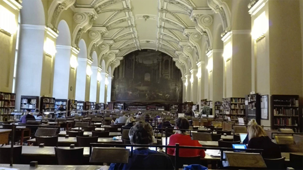 Sál studovny veSlovanské knihovně