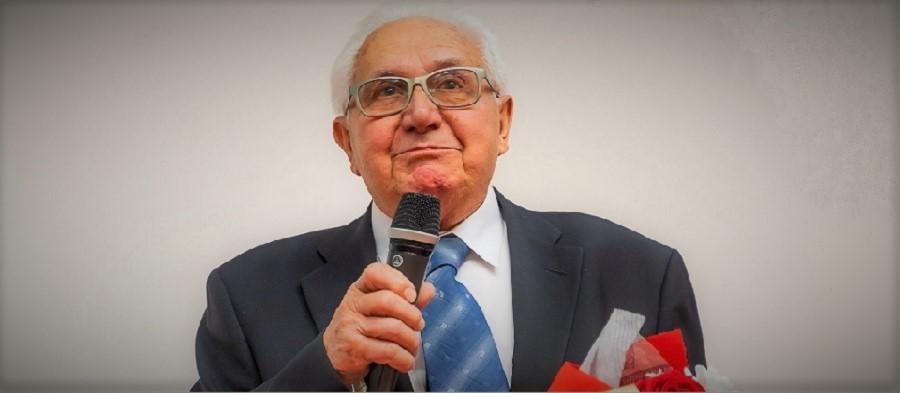 Profesor Zdeněk Jirák obdržel cenu zarozvoj ústavu